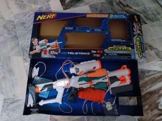 Nerf Tristrike tri-strike bib set