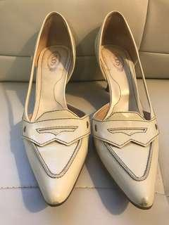 Authentic Tods Heels Size 8