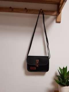 黑色斜孭袋
