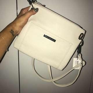 Cross body bag - beige/white