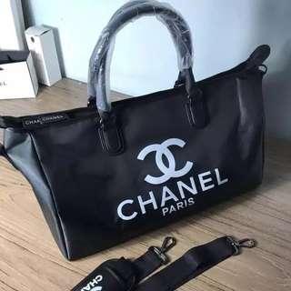 🚚 Chanel sling hand Bag