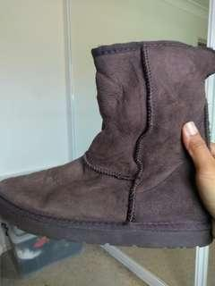 Authentic UGG boots - size 8 Mens / 10 Women's