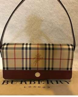 Selling for a friend  Authentic Burberry  In excellent condition