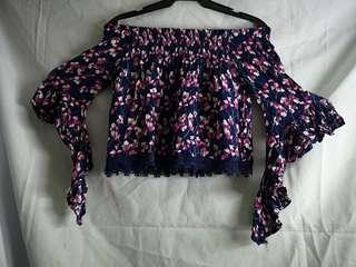 Off shoulder blouse floral