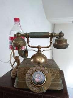 Vintage Telephone nice for display, what you see what you buy,