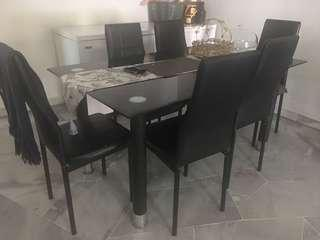 Dining table 6 seater with tempered glass