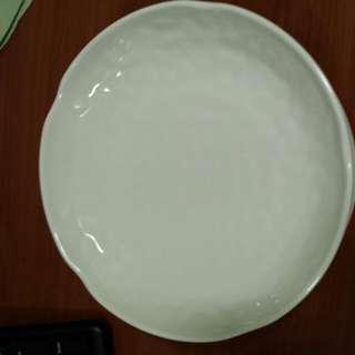 Round Ivory Melanine Plates
