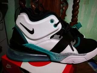 Nike Air Force 270 Command Force