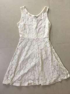 🚚 White Lace Dress from Amber Avenue