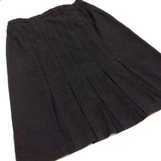Ladies Vintage Pleated Skirt.