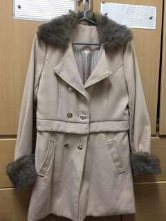 🚚 米色毛領大衣 可拆變成短版上衣 一衣三穿