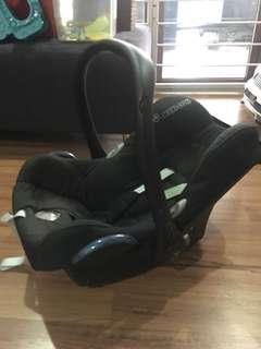 Baby carrier + isofix base