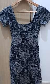Lowcut fitted dress
