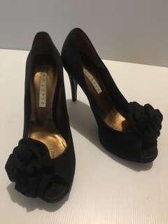 Pura Lopez peep toe shoes