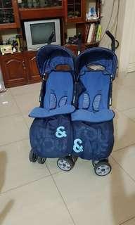 Stroller Kembar Twin Cosatto Duo