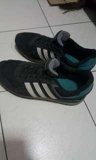 Adidas運動鞋 25.5