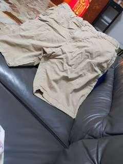 Men's uniqlo shorts. For waist 34 inches