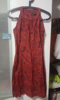 🚚 Beautiful red floral print dress #flowerpower
