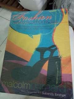 Fashion Sebagai Komunikasi by Malcolm Barnard
