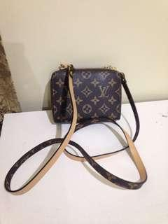 louis vuitton wallet shoulder bag