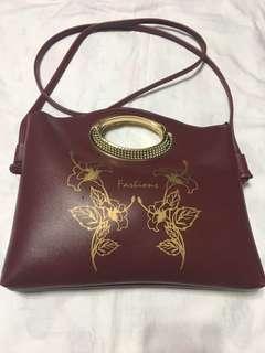 Ladies fashionable sling bag