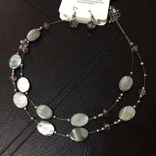 UK earring and necklace set