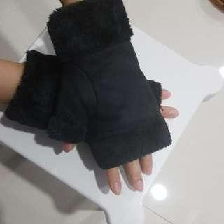 Hand Fur Gloves
