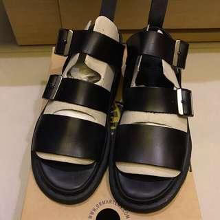 闆娘二手-Dr.Martens 涼鞋38