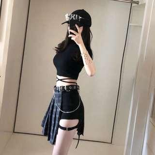 [INSTOCK] Black Tight Fit Cropped Top with Ribbons