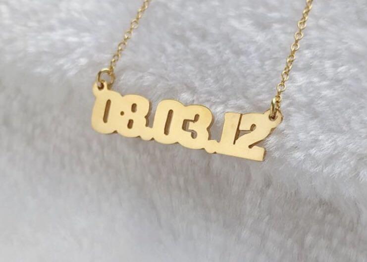 Custom date necklace