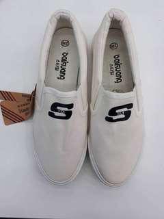 Brand New: Skechers-Inspired Slip on sneakers