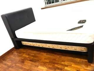 Single bed with lower deck
