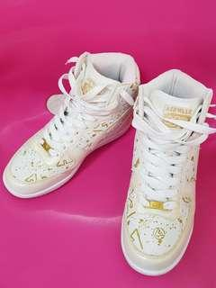 Lady sneakers for sale