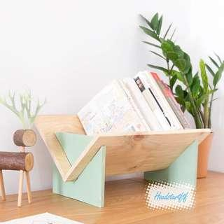 🚚 94)Wooden Book Stand