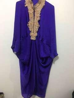 Embroidered kaftan purple 3/4
