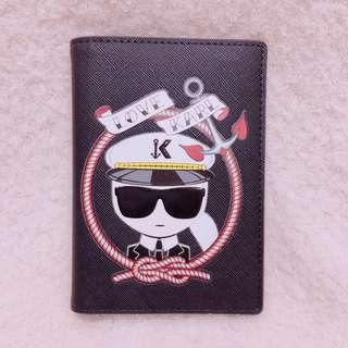 🚚 美國帶回Karl Lagerfeld Paris卡爾防刮護照夾