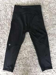 LULU Lemon 3/4 leggings mesh bottoms