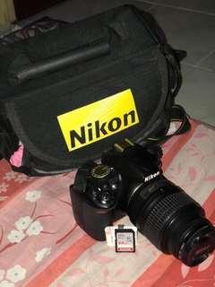 Nikon D3100 7,000 olny