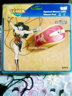 DC WONDER WOMAN MOUSE PAD AND USB MOUSE
