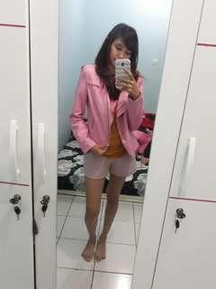 Jaket kulit pink