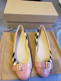 Burberry Flats Size 38