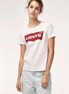 Classic Levi's Tee from Aritzia!!