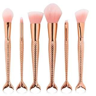 🚚 INSTOCK 6pc Mermaid Tail Makeup Brushes BN Scales Brush Set