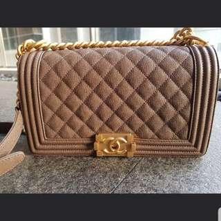 Chanel Caviar Leather Old Medium Boy 55db074975264
