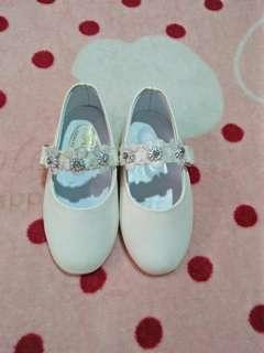 White shoes for 6-12mos