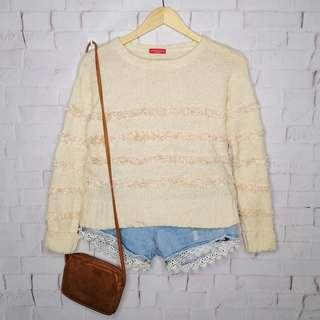 Cream White Knitted Top w/ Faux Fur