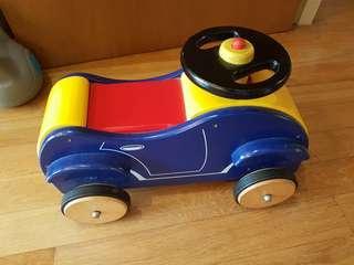 Wooden Car with pomp pomp sound