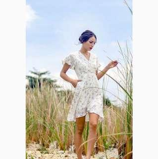 BNWT ENTHIA FLORAL V-NECK OVERLAY WRAP DRESS IN OFFWHITE