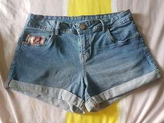(USED)Mid-rise Shorts (label size 38 but measurements ~31inches)