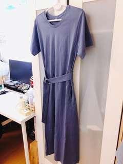 🚚 9成新 uniqlo超好穿舒適藍紫色百搭素長洋裝 雙口袋 附腰帶(可綁或不綁) 全長123公分 孕婦可穿唷❤️